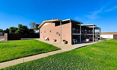 Building, 7070 Utica Street, 2