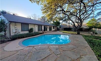 Pool, 4006 Burr Oak Ln, 1