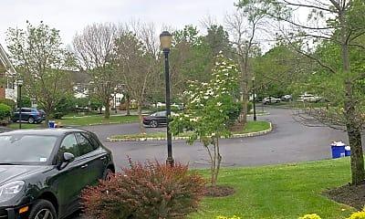 202 Park Knoll, 1