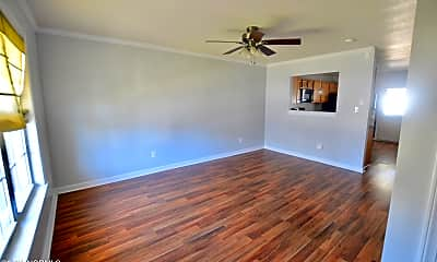 Living Room, 504 Streamwood Dr, 1