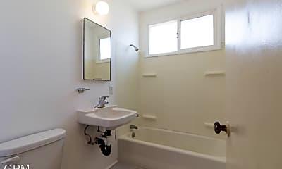 Bathroom, 10226 Silverton Ave, 2
