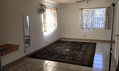 Bathroom, 569 E 224th St, 1