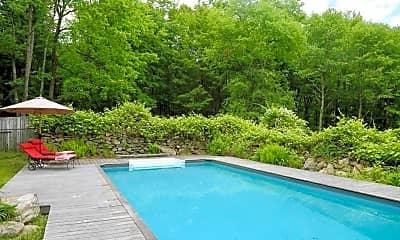 Pool, 94 McManus Rd S, 0