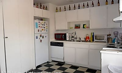 Kitchen, 329 Dearing St, 2