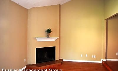 Living Room, 2476 Tahoe Cir, 1