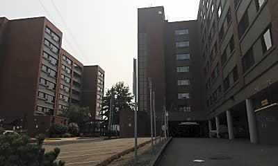 Broadway Plaza Apartments, 0