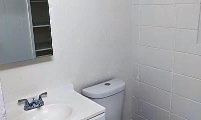 Bathroom, 3205 Castle St, 2
