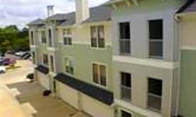 Building, 2415 Stutz Dr H, 2