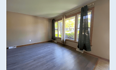 Living Room, 322 Michigan Rd, 1
