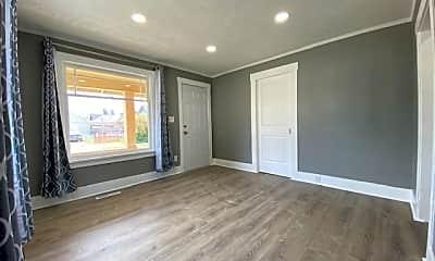 Living Room, 1209 N Lindeke St, 1