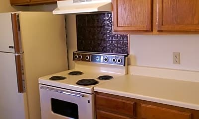 Kitchen, 1323 Eastgate Dr, 1