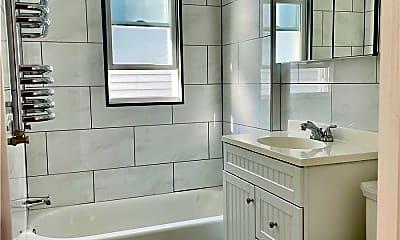 Bathroom, 69-18 64th Pl 2, 2