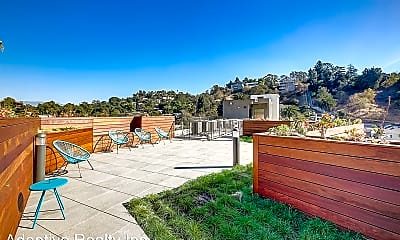 Patio / Deck, 1901 Echo Park Ave, 2