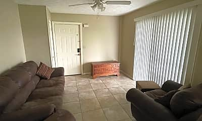 Living Room, 115 Twin Lakes Dr, 1