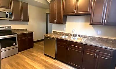 Kitchen, 991 E Livingston Ave, 1