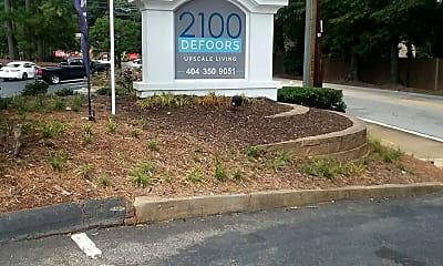 2100 Defoors, 1