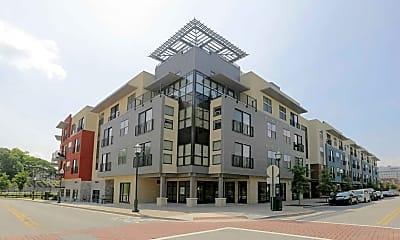 Building, Walnut Commons, 0
