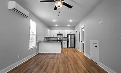 Living Room, 809 Maple St, 1