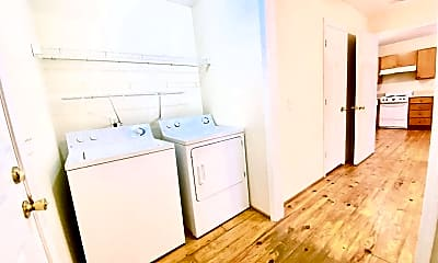 Bathroom, 307 1/2 Scales St, 2
