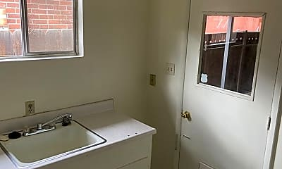 Patio / Deck, 221 Martin St, 2