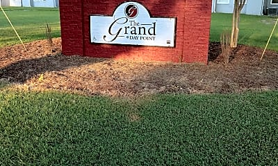 The Grand at Day Point (Courtyard Apartments), 1