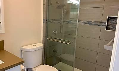 Bathroom, 4305 Piikea Pl, 2