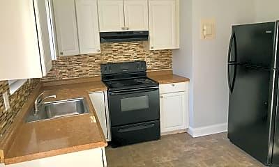 Kitchen, Eagleview Properties of Graham, 2