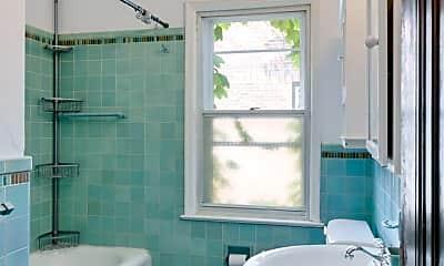 Bathroom, 4621 Nicollet Ave, 2