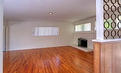 Living Room, 3735 Pescadero Dr, 1