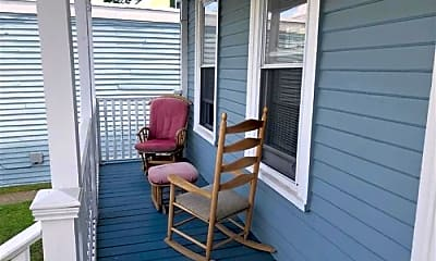 Patio / Deck, 380 Highland Ave, 2
