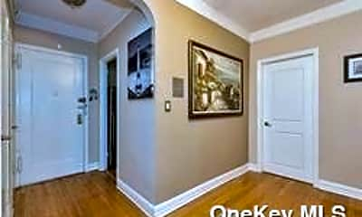 55 Grand Ave 2A, 1