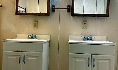Bathroom, 706 Richwood Ave, 2