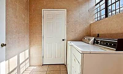 Kitchen, 2163 Treasure St, 2