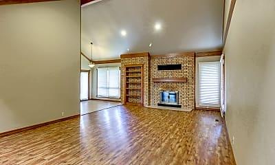 Building, 12713 Trail Oak Dr, 1