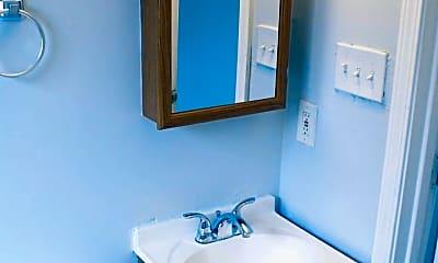 Bathroom, 2511 Rosalie St, 2