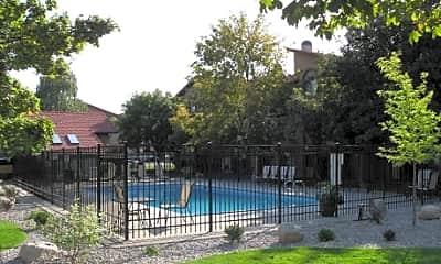 Serrano Apartments, 1