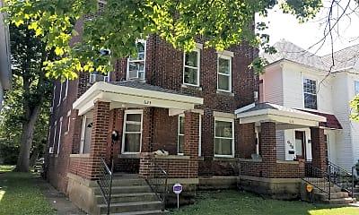 Building, 626 S Center St, 0