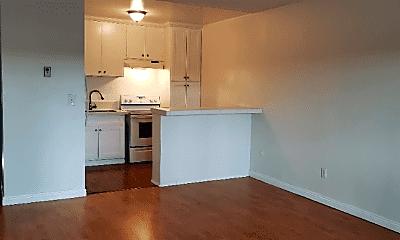 Kitchen, 11030 Moorpark St, 0