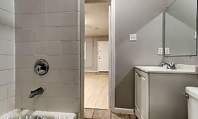 Bathroom, 802 Stanford St, 2