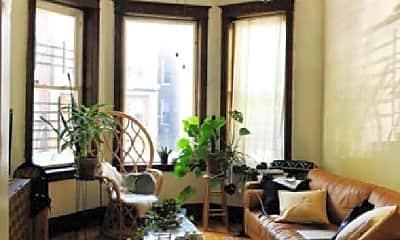Living Room, 1425 N Maplewood Ave, 2