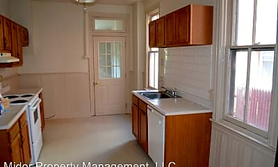 Kitchen, 1022 W Poplar St, 1