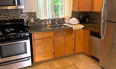 Kitchen, 497 poplar st, 2