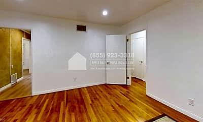 Living Room, 812 Tola St, 2