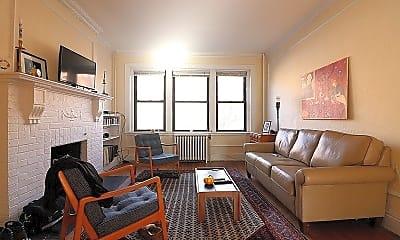 Living Room, 32 Park St, 2