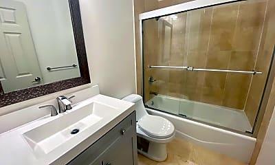 Bathroom, 415 S Van Ness Ave, 2