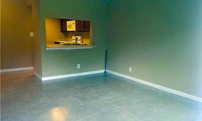 Living Room, 10006 Winding Lake Rd, 1