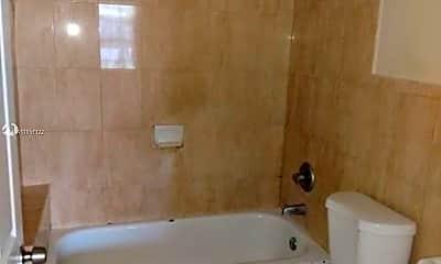Bathroom, 1213 NW 2nd St 1215, 1