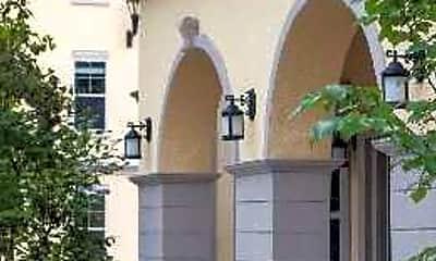 Centro Luxury Apartments, 2