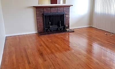 Living Room, 2209 Fairfax Rd, 1