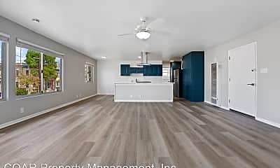Kitchen, 1020 E Broadway, 1